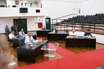 10ª Sessão Ordinária tem adiados dois Projetos de Lei