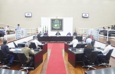 Alterações em Projeto de Lei que beneficia professores são aprovadas pelos vereadores de Pindamonhangaba