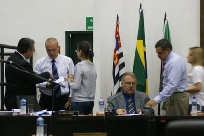 Aprovado aumento para funcionários municipais