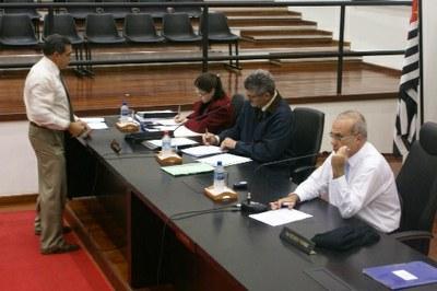 Câmara adia projeto do Executivo que determina novo cálculo do IPTU