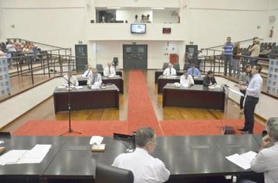 Câmara aprova convênios para Praça do Pasin e cobertura da quadra do Castolira