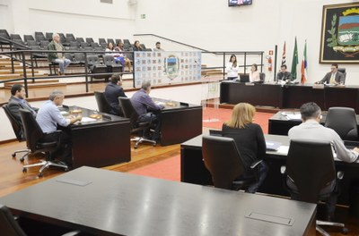Câmara aprova criação da Frente Parlamentar de Prevenção e Combate ao Câncer e Vereador Cal toma posse como primeiro suplente