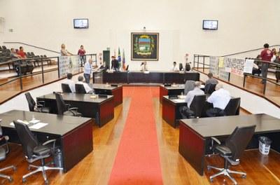 Câmara aprova denominação de rua no Parque São Domingos e adiamento de projeto de permissão de área para empresa