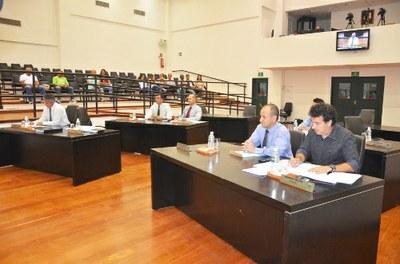 Câmara aprova projetos e servidores municipais do Executivo e Legislativo terão realinhamento salarial de 6%