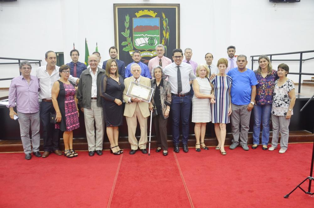 Câmara comemora Dia do Vereador homenageando Francisco Piorino Filho, ex-vereador e presidente do Legislativo