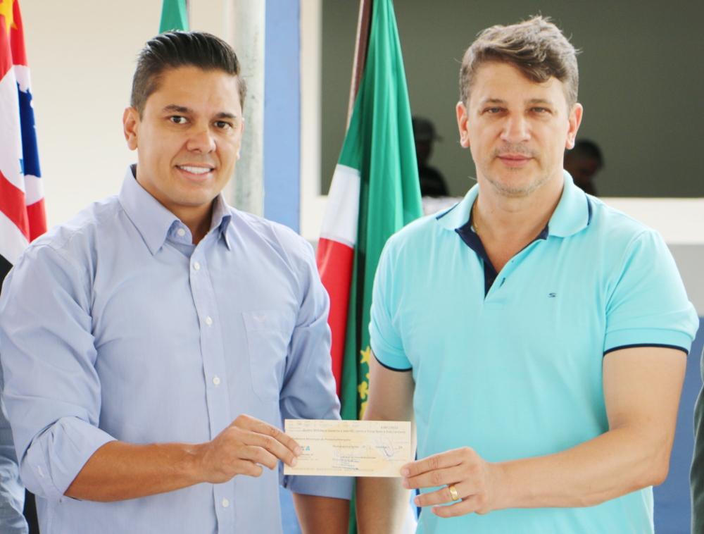 Com economicidade e transparência Presidente Carlos Moura - Magrão devolve R$ 8.767.130,02 do Duodécimo da Câmara