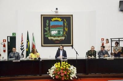 Com galerias lotadas, Vereadores, Prefeito e Vice-Prefeito são empossados em sessão solene na Câmara de Pindamonhangaba