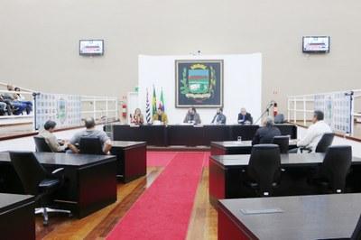 Em Audiência Pública na Câmara de Pindamonhangaba, vereadores, profissionais e população debateram a regulamentação de Transporte por Aplicativo