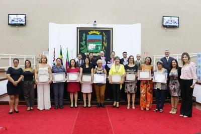 Em sessão solene, Vereadores reconhecem trabalho e elogiam atuação das mulheres de Pindamonhangaba