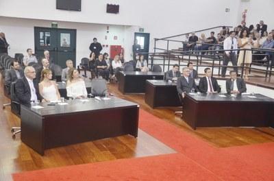 Justiça Eleitoral entrega diplomas aos vereadores, prefeito e vice-prefeito eleitos em Pindamonhangaba