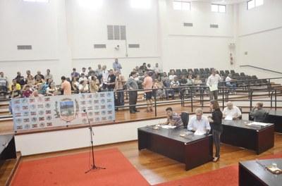 Servidores Públicos de Pindamonhangaba terão aumento de 11%. Plenário Legislativo rejeita aumento a Prefeito, Vice, Secretários e vereadores