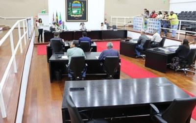 Vereadores acatam veto do prefeito à Emenda Modificativa ao Orçamento do Município e aprovam denominação de via pública no Colmeia