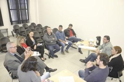 Vereadores se reúnem com Diretor da EDP Bandeirante para discutir retirada de fios em postes da cidade